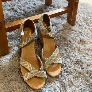 Brand new never worn toms wedges